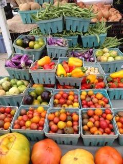 e19d60d04a5b64f85271_farmersmarket9.png