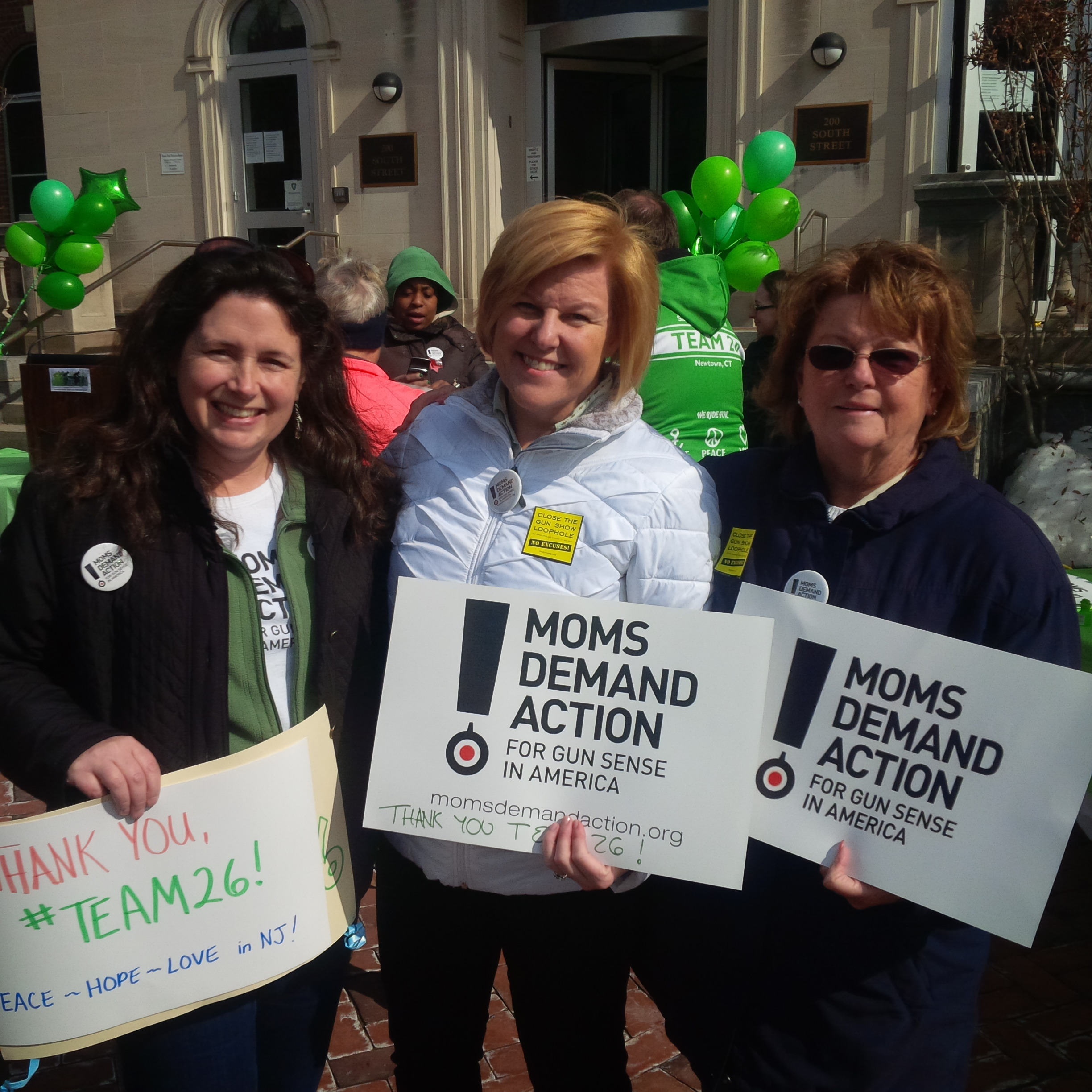 e7cdbdb3d26f248b9664_Colleen_Mahr_-_Moms_Demand_Action_-_Morristown__3-9-14.jpg