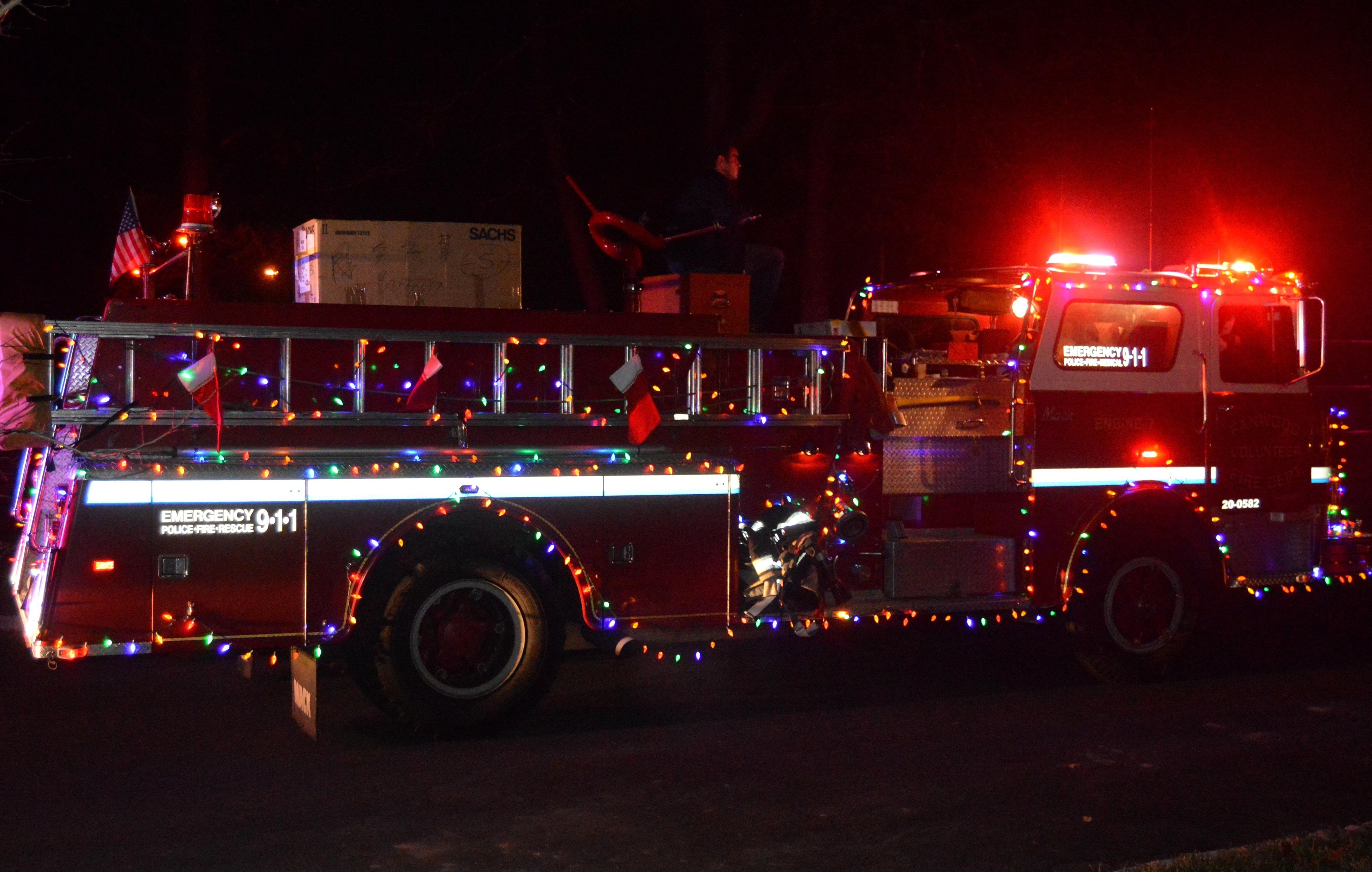 e9a8cdd493a1e2e6de65_Santa_truck.JPG