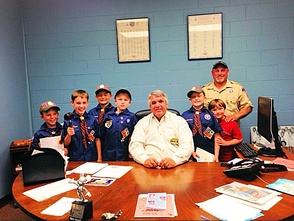 Mayor Glover Meets with Boy Scouts   , photo 1