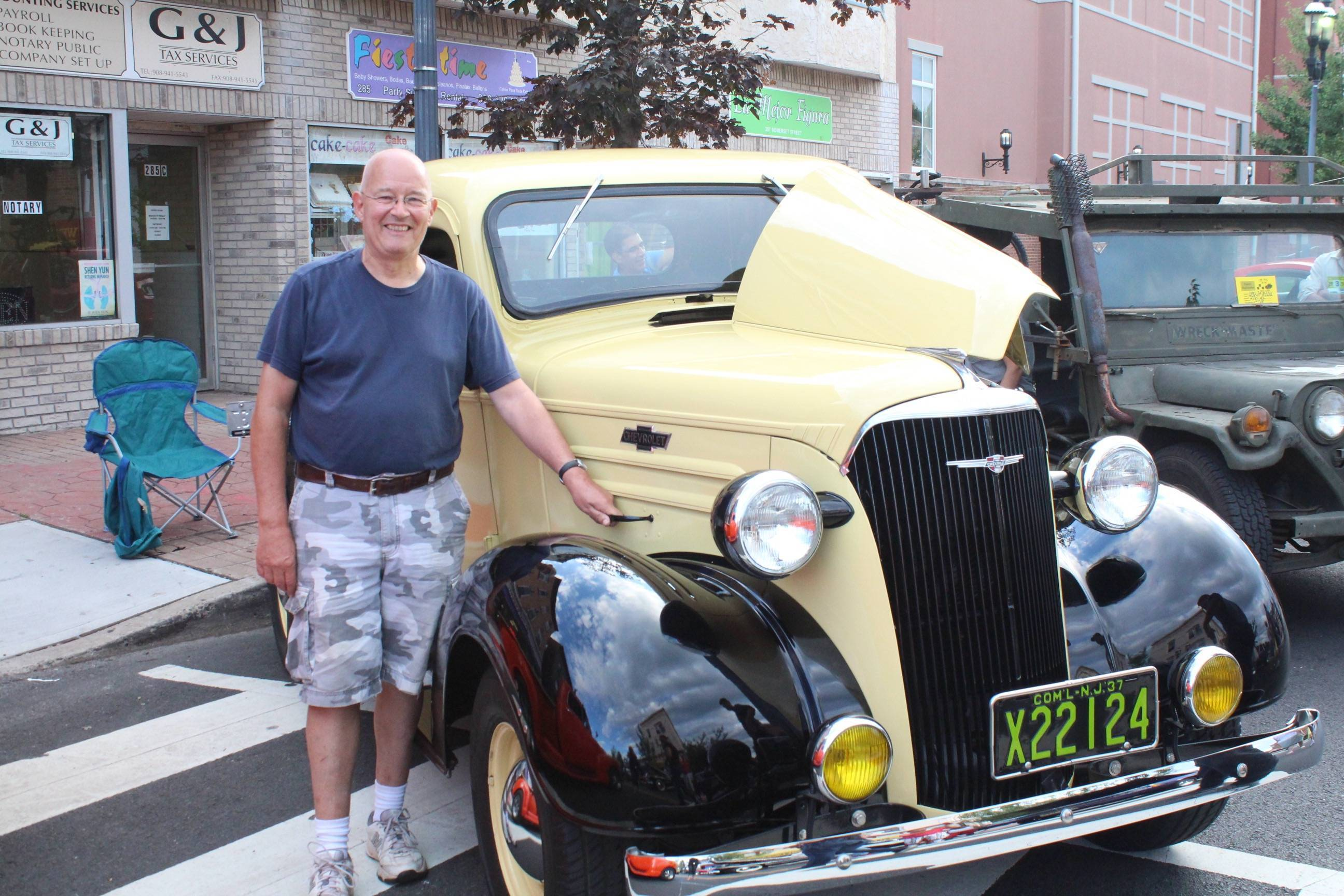 Classic Cars Hot Rods and More Line Somerset Street for North