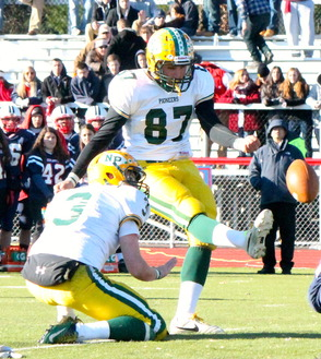 Kicker, David Gelormini (#87, senior)