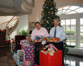 Share-A-Gift donate at Lakeland Bank