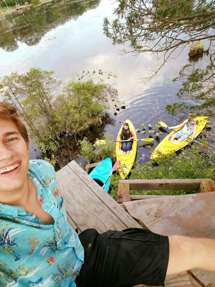 9d27d17eb31407fd6b33_kayaking.jpg