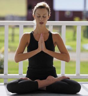 Carousel_image_107da84439934a15516b_woman_yogi