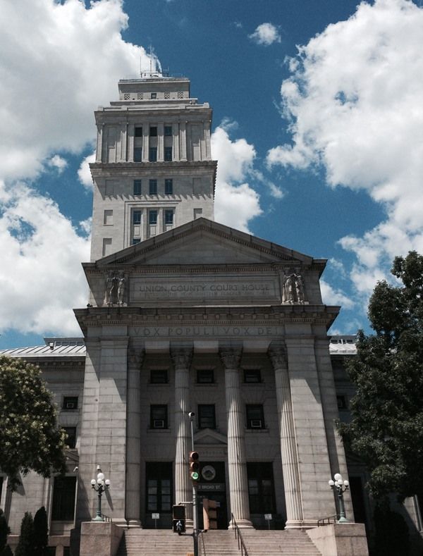 99694299c6c6a02456f1_County_Courthouse_August_2015.jpg