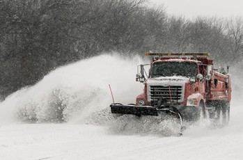 Top_story_59c5d9a2eb2d3b61b18a_2b063131cc257ff397c9_1-winter-storm-blankets-great-plains-with-snow-2