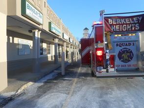 Berkeley Heights Police and Fire Department Respond To Burst Pipe In Vacant Retail Space In New York Marts Shopping Center, photo 1