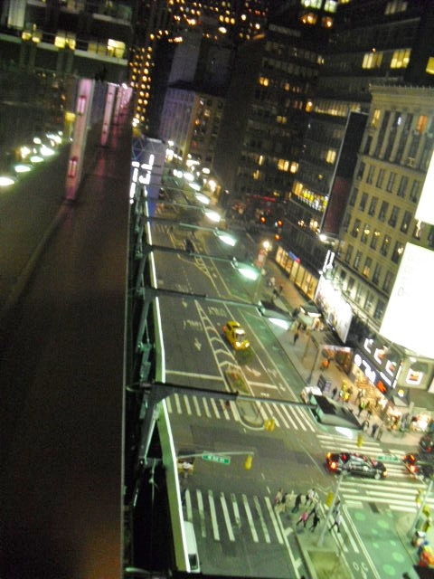 7c70b7efa5990fe8ca50_NYC-street_left.jpg