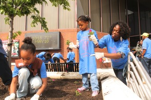 Roselle Comes Together for Community Clean Up Day, photo 26