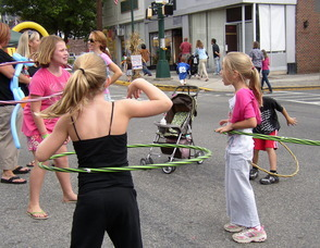 Hula Hoop contest at Fanny Wood Day