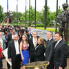 Small_thumb_b33f351883b2bfd5656e_oliveira_statue_dedication