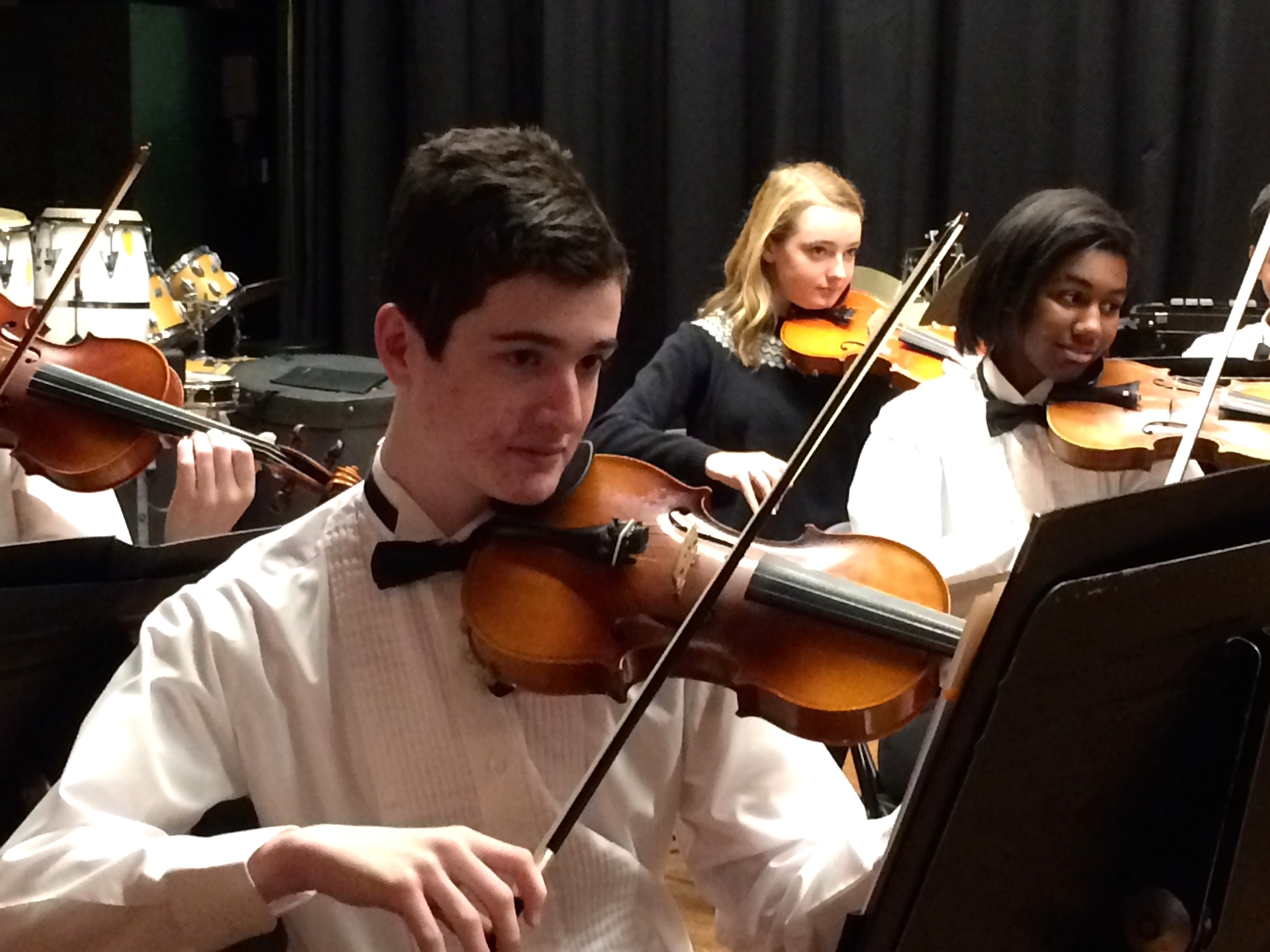 735107ea9a5f76272d05_1715ae1d9690cf0ffbc7_The_CHS_Chamber_Orchestra_opens_the_CMS_program.jpg