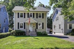 Colonial in ideal location in Union