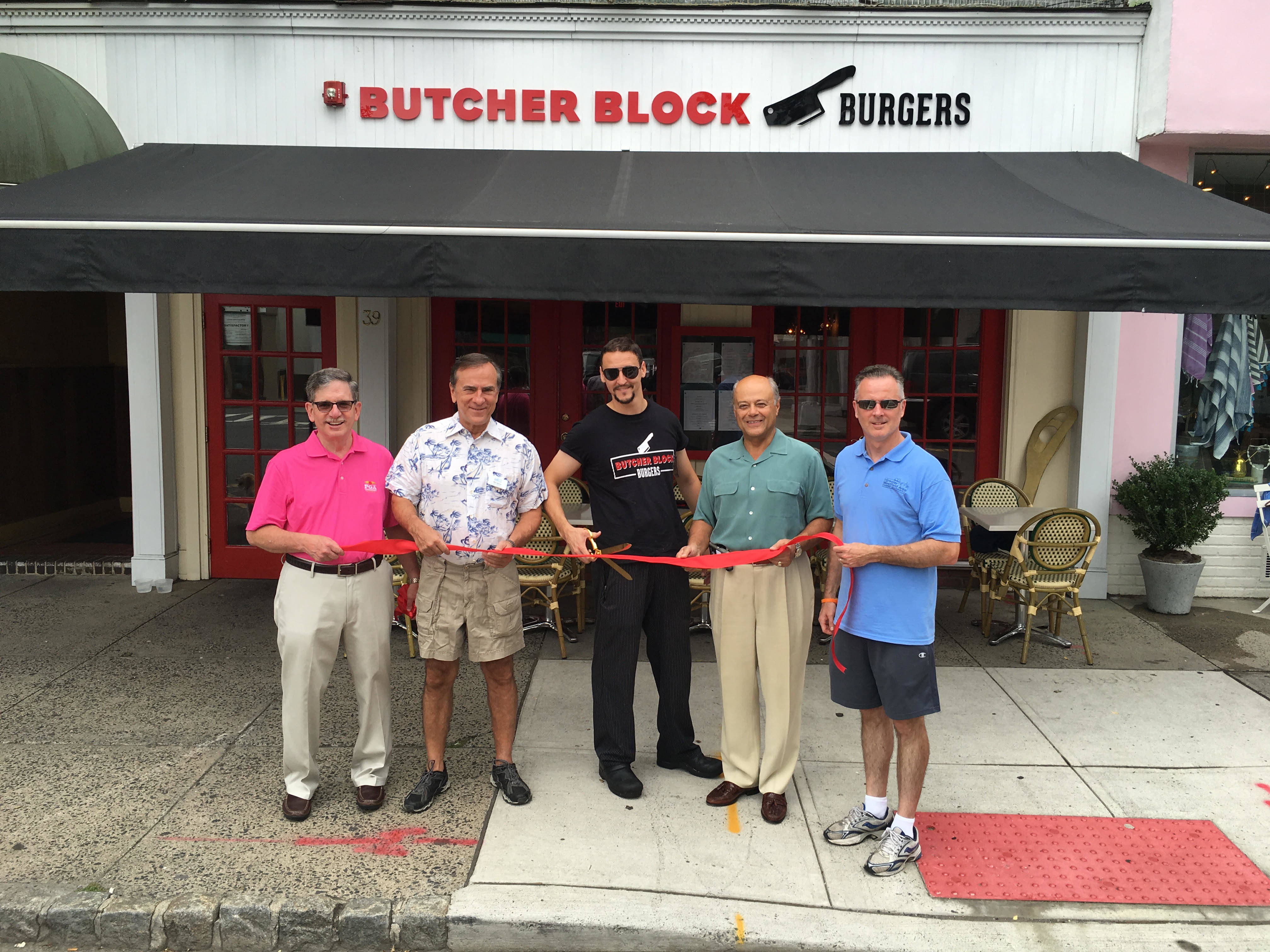 Butcher Block Burgers A Restaurant By Chef C J Reycraft Jr Celebrated Its Grand Opening With Ribbon Cutting Saay Aug 6