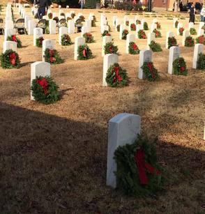 2d8401d78847de7f36f3_0d4672e45a185faafc8d_veterans_wreaths.jpg
