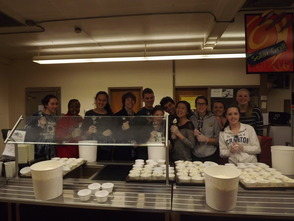High School Students Volunteer for Ice Cream Social