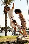 46a9f99316937b689dd6_family_jumping.jpg