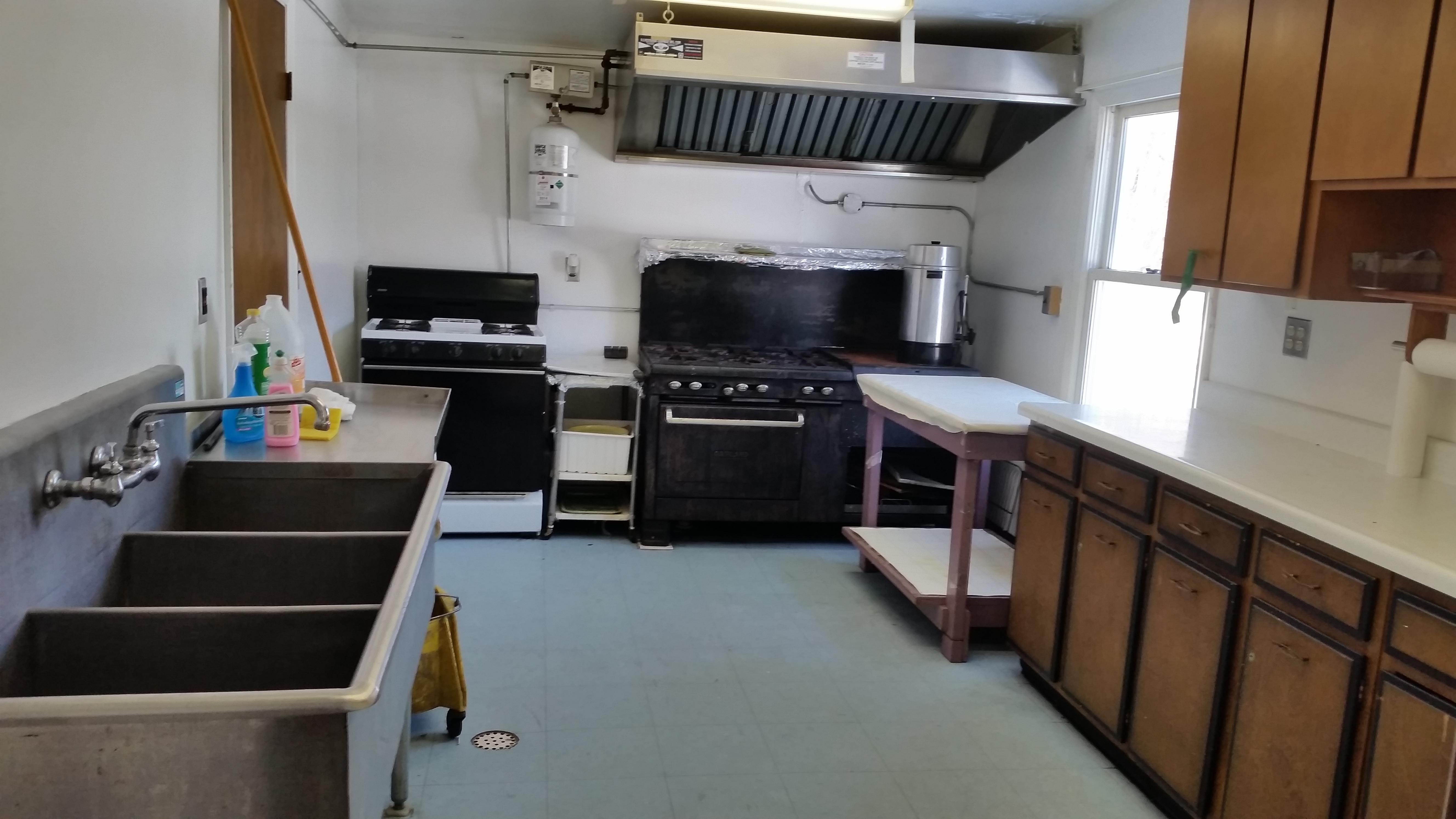 5c568e7c9445e35f105f_kitchen.jpg