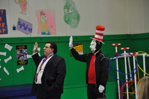 Woodmont Elementary School Read Across America