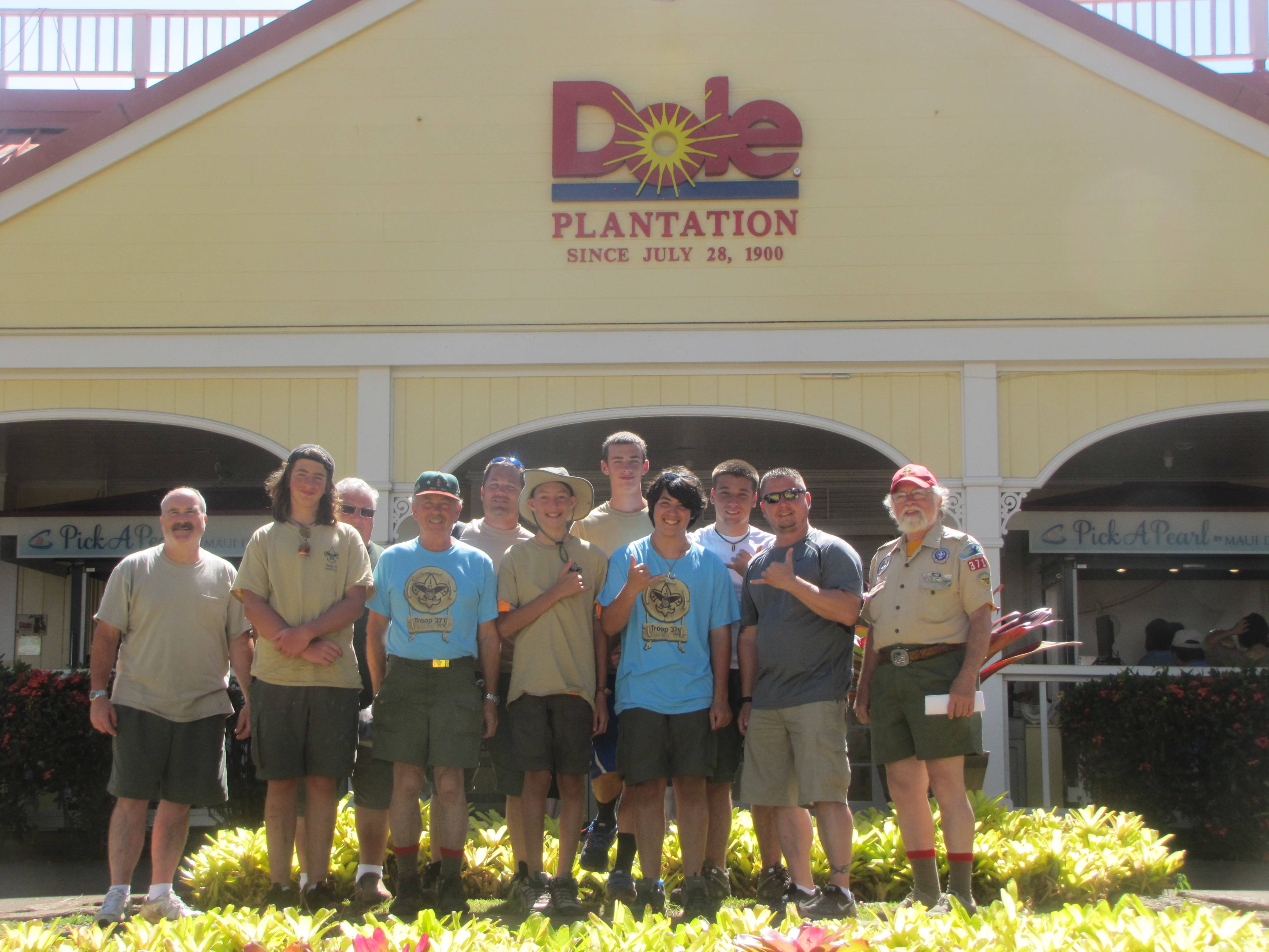099a54a4f82b9c8cfb83_scouts_-_Dole_plantation.JPG