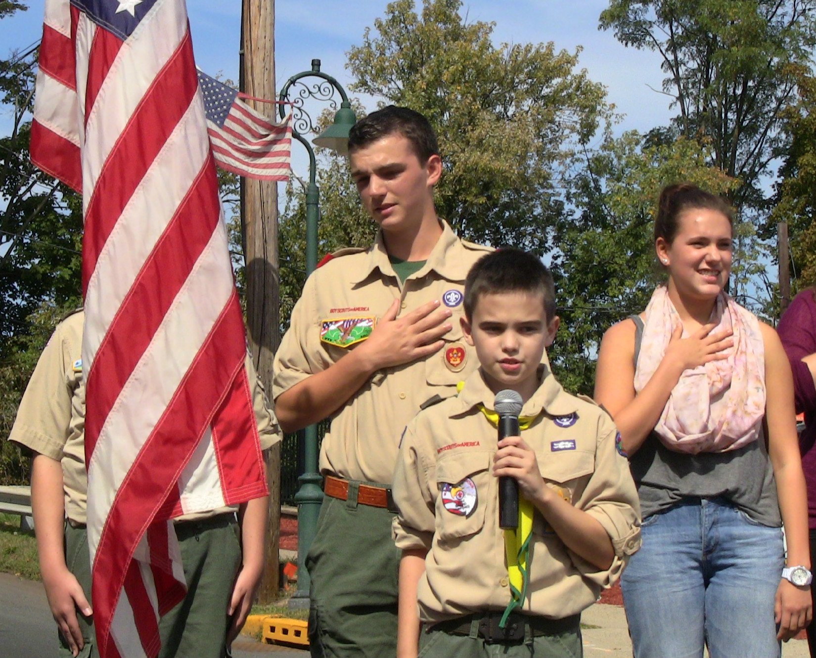 b1eda5c28613504ac15d_BSA_Troop_33_leads_Pledge_of_Allegiance.jpg
