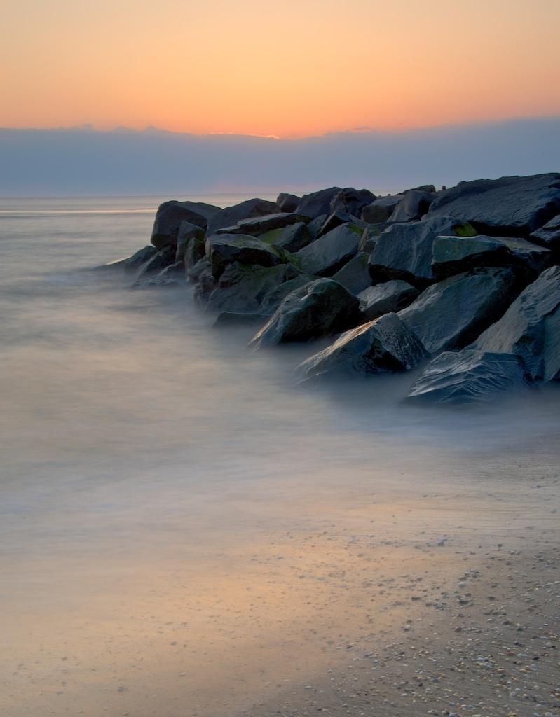 ec88c4e16e8fda3bf5c9_Ori-Nancy-Sunset_Beach-6.jpeg