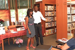 Local Author and TV Personality Put Pens to Books in Roselle, photo 12
