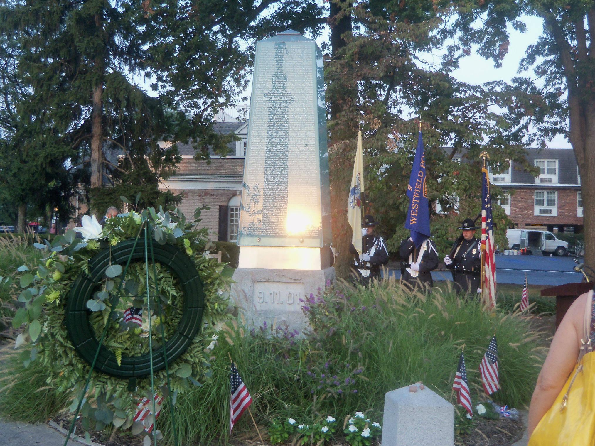 4b2c6d3890654b9ba453_545becee893b0be291fc_Sept_11_memorial.jpg