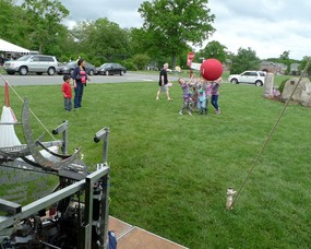 FRC Robot Shoots the Big Ball