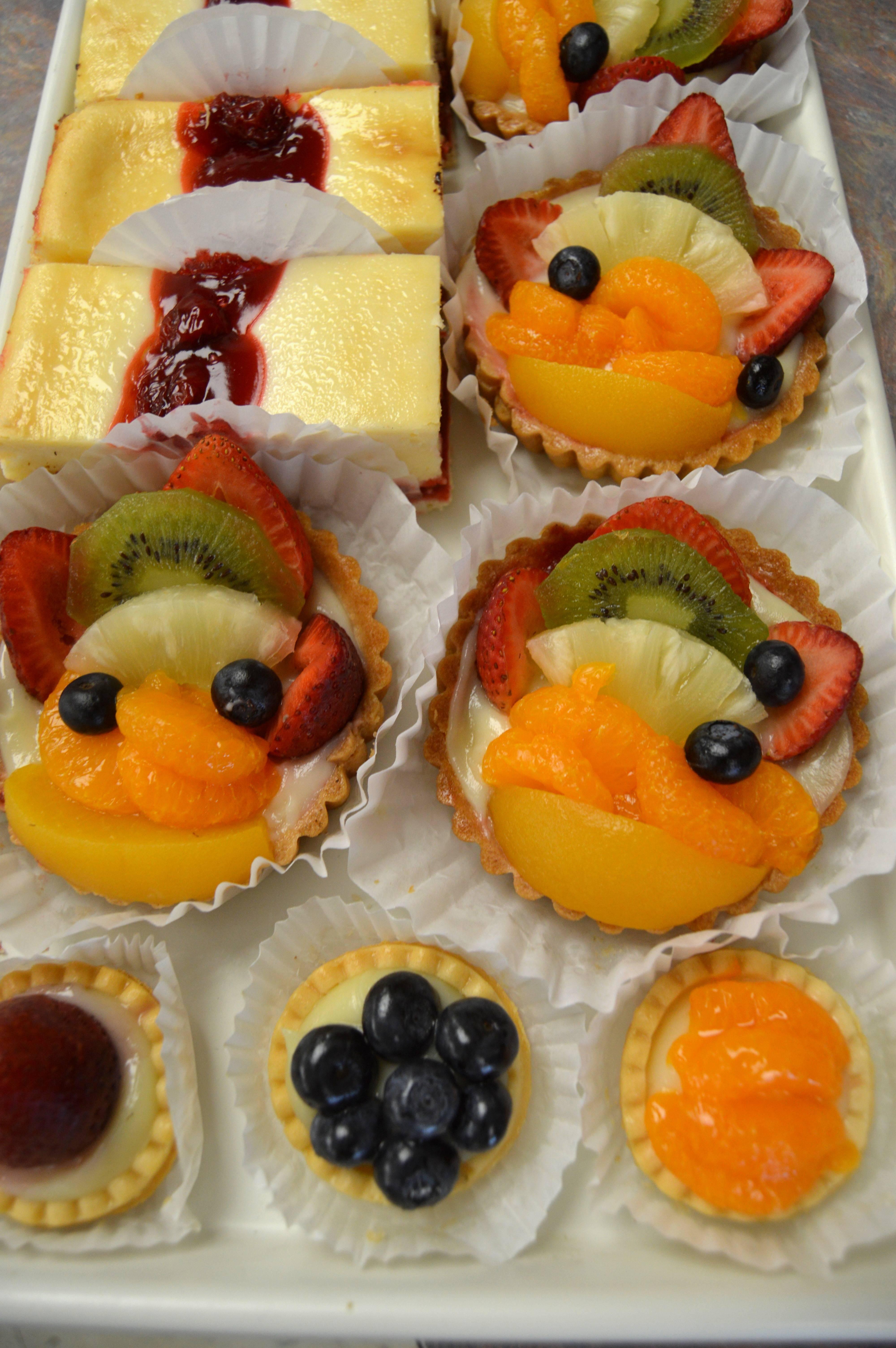 b8380b82a5ec7709703c_Fruit_tarts.JPG