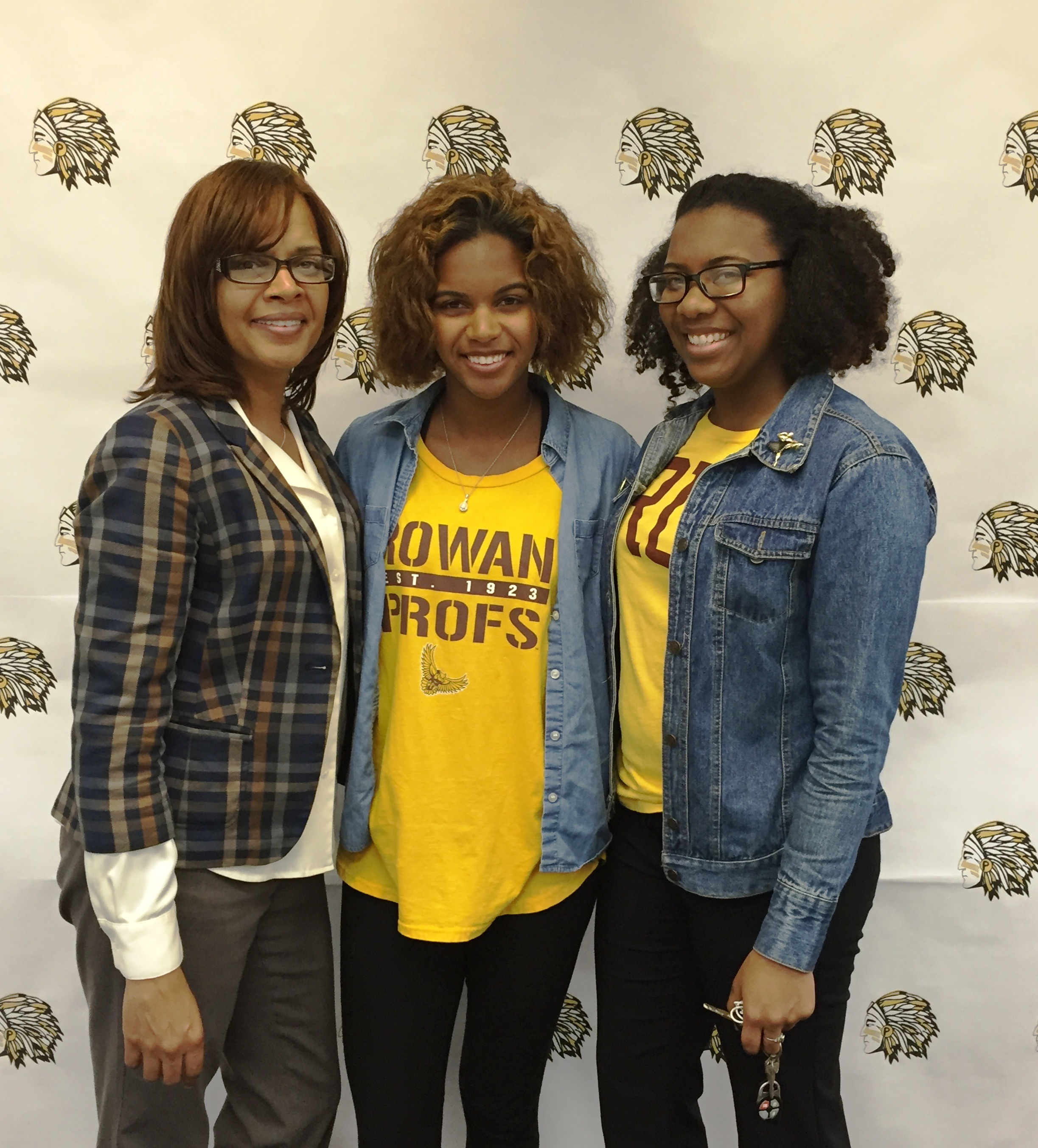 eafc1bc00e4d5e5f4293_PWay_Athletes_College_Signing_Day_4-13-16_050.JPG