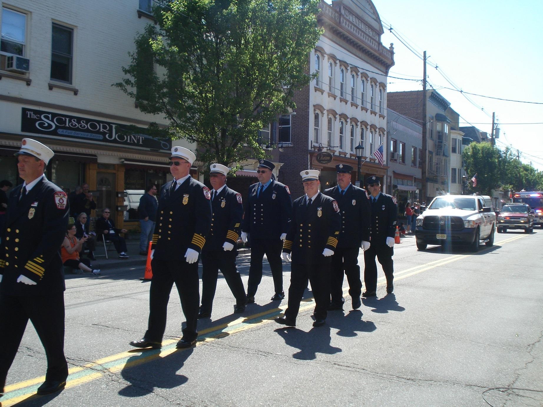71541b61712403425efa_Memorial_Day_Parade_018.JPG