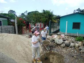 Morris Habitat Volunteers in Honduras!