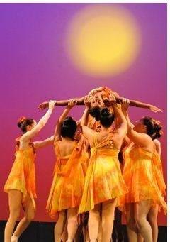 3164500f65691dc3e6cf_joann_dance_4.jpg