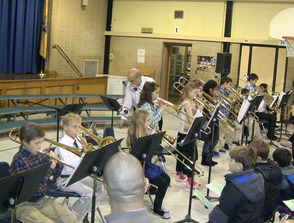 Coles School Fourth-Graders Perform at Winter Concert, photo 2