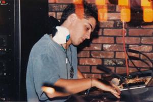 Ilan DJing