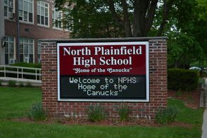 Freshman Canucks To Receive iPads Thursday at High School Orientation, photo 1