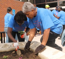 Roselle Comes Together for Community Clean Up Day, photo 30