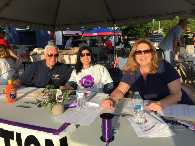 0a65f0add6f7dc13dae0_COUNCILMAN_JERRY_GUARINO__COUNCILWOMAN_MICHELLE_CASALINO_AND_BOE_PRESIDENT_LAURA_LAB__registering_event_participants.jpg