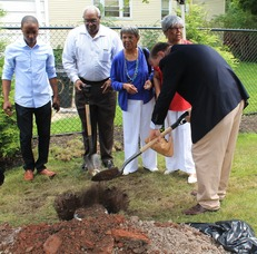 Roselle Community Joins Dr. Polk Family and Plants Time Capsule, photo 21