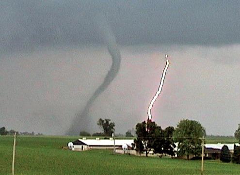 04aadce690a630e658bb_tornado.png