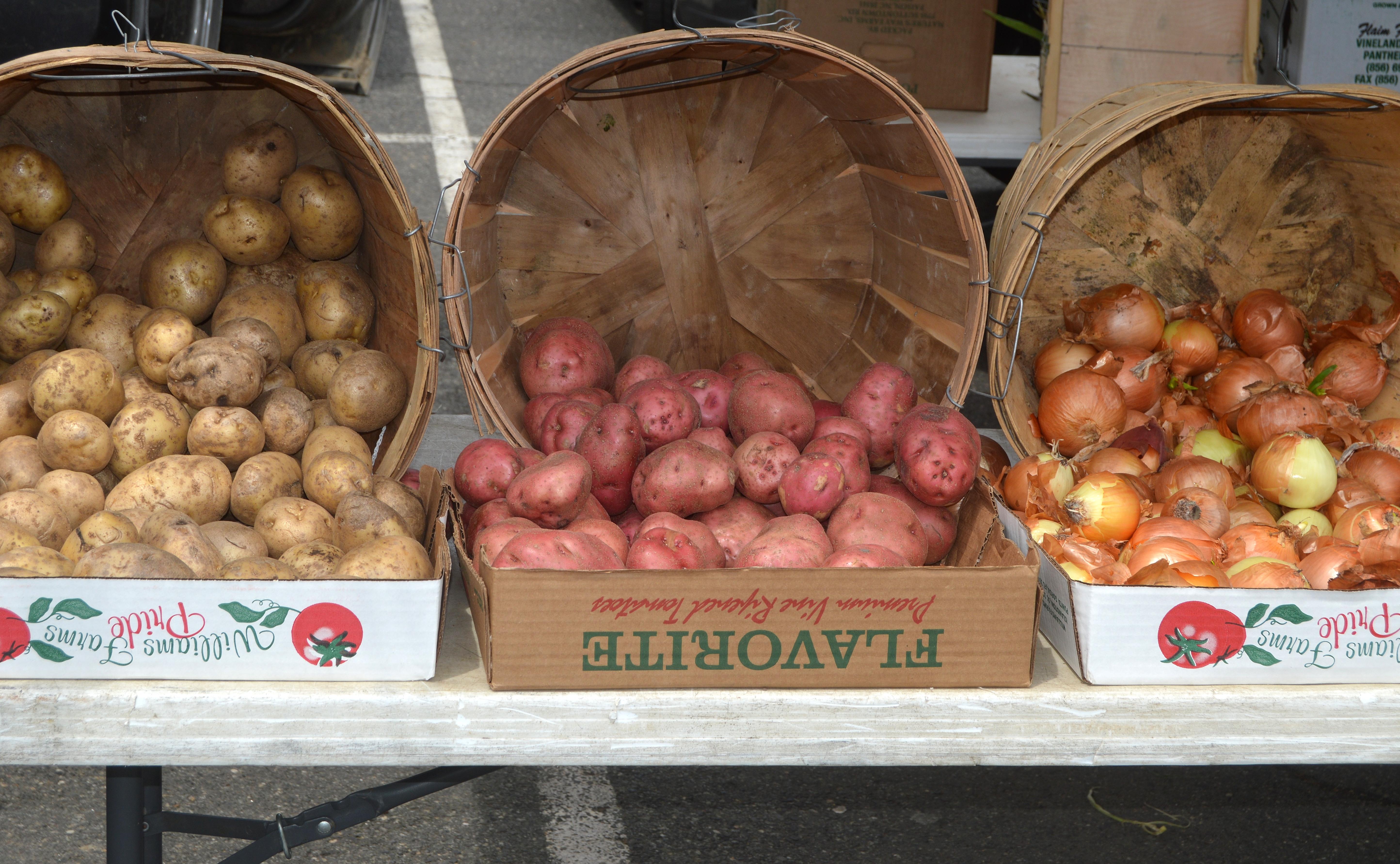07904625132070de7c4f_Farmer_s_Market_-_potatoes.JPG
