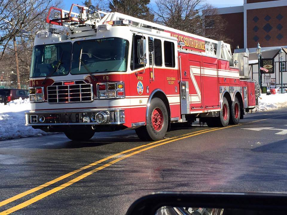 410593d9a86a41fddc25_a4eaa03ad32cae588920_south_orange_fire_truck.jpg