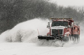 Carousel_image_ff07b847b870951dfffd_carousel_image_59c5d9a2eb2d3b61b18a_2b063131cc257ff397c9_1-winter-storm-blankets-great-plains-with-snow-2