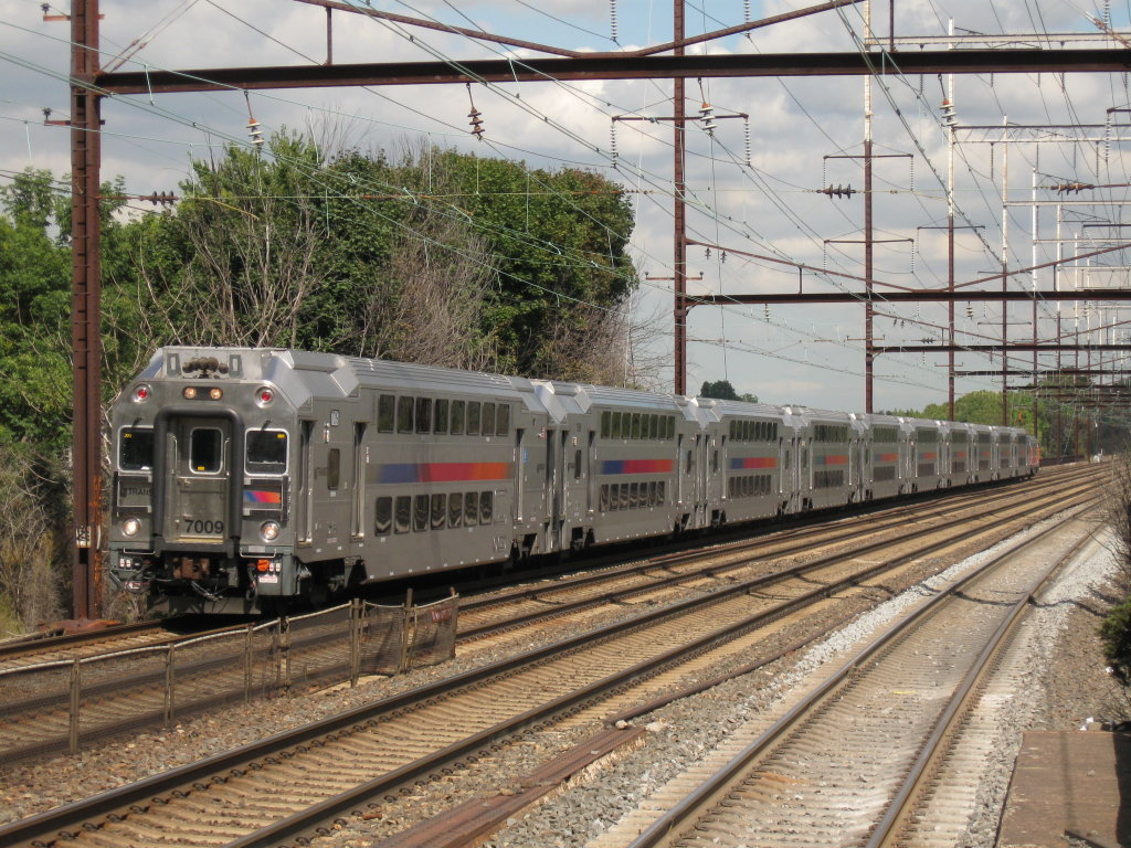0c5bcef0d9be8194fba3_New_Jersey_Transit_Bombardier_Multi-Level_Vehicle_7009.jpg