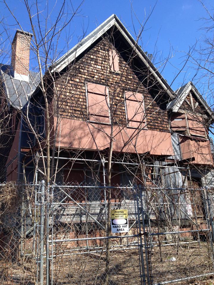 120bcbd9cae6504f1b0b_Old_stone_house_2.JPG