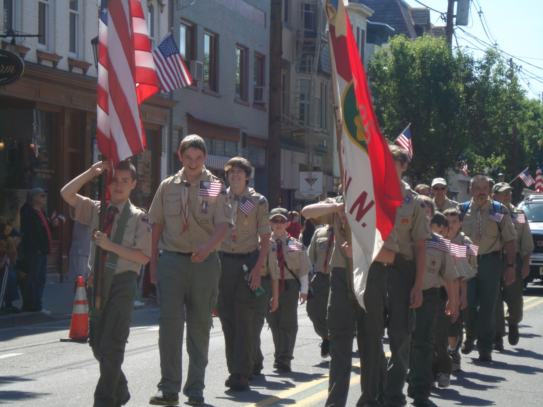 b69b60916e5f3d82d648_Memorial_Day_Parade_014.JPG
