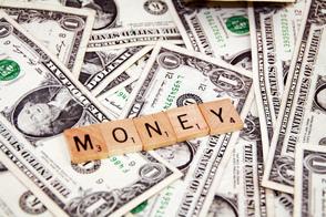 Carousel_image_6760d31db495bff4edf4_money2