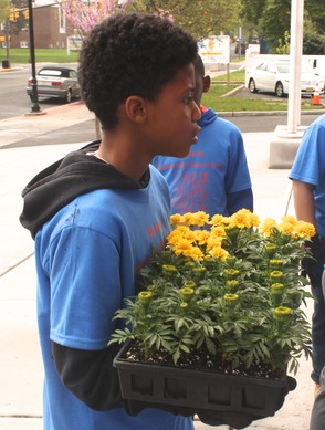 Roselle Comes Together for Community Clean Up Day, photo 11